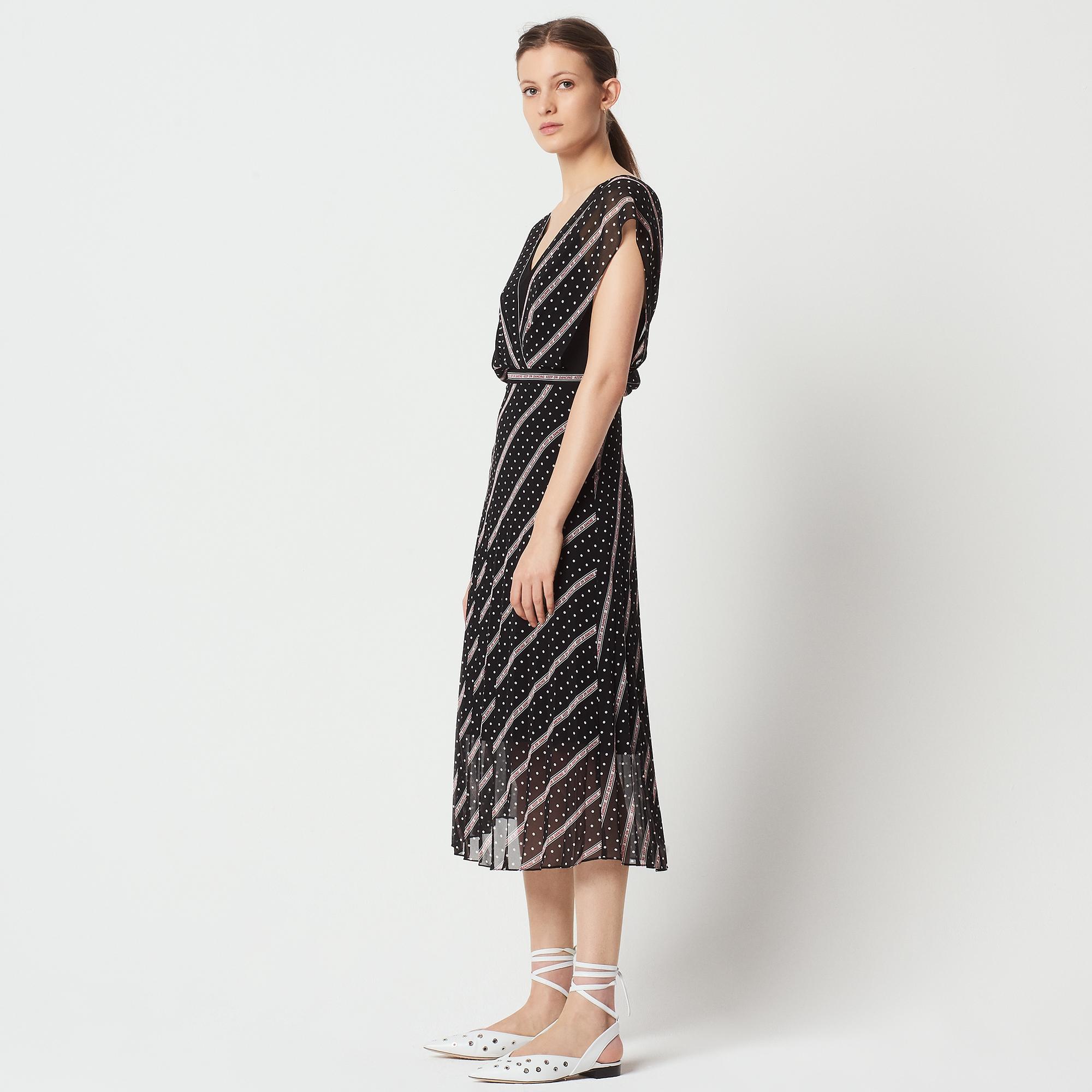 ac6590f987b ... Keep on Dancing long printed dress   Dresses color Black ...