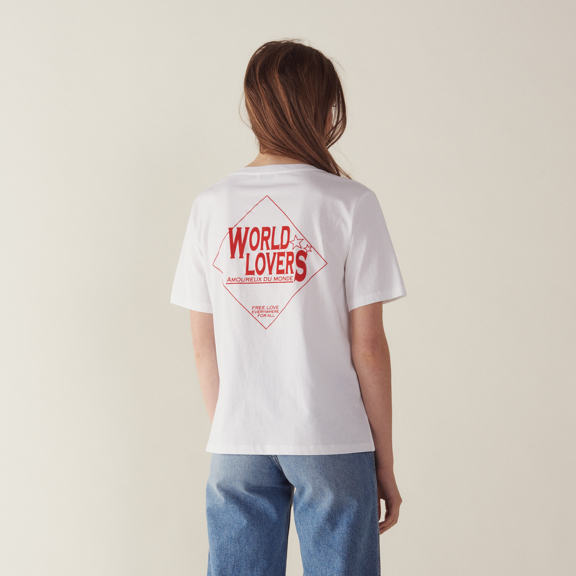 t-shirt with flocked lettering