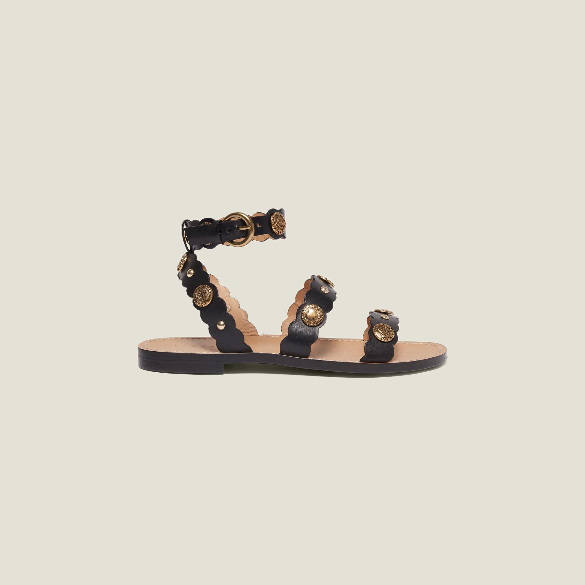 76871f472 Flat Sandals With Decorative Rivets : Shoes color Black ...